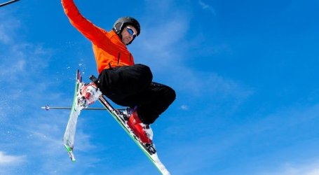 Discover our new protective films for skis and snowboards